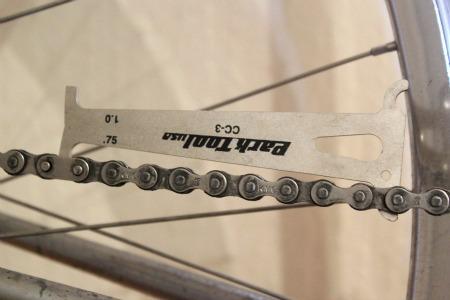 Chain wear tool